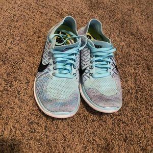 Women's Nike flynit shoes